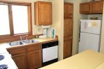 Sunrise 6  Mammoth Vacation Rental- Fully Equipped Kitchen